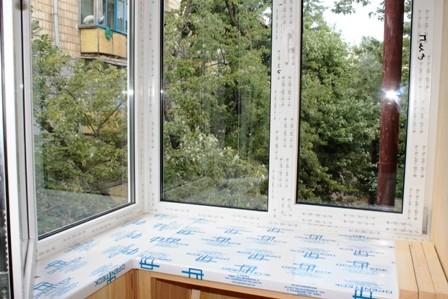 Остекление балкона в 96 серии дома