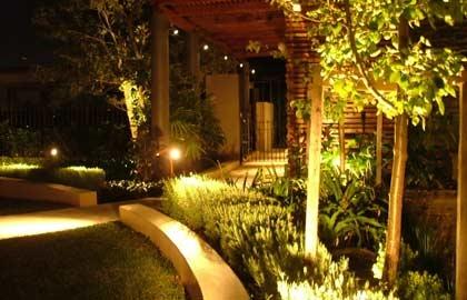 Освітлення Вашого саду. www. adonis. km. ua