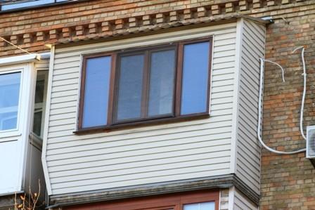 Отделка балкона с крышей в районе Дарницы