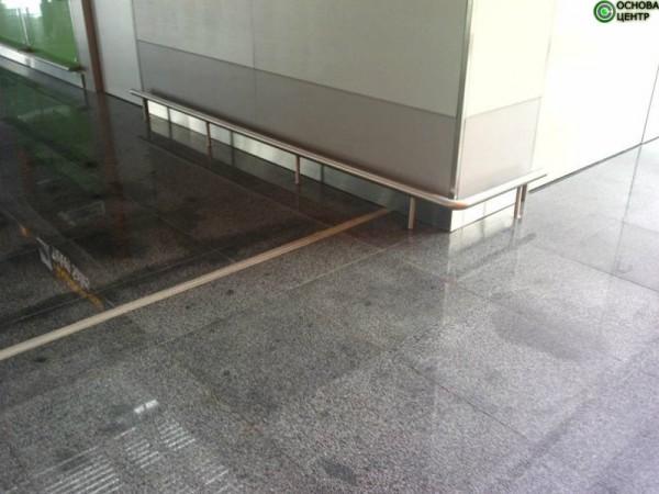Отделка нержавейка и стекло в дизайне современного интерьера. http://osnova-c. com. ua/stainless-steel-d ecoration/