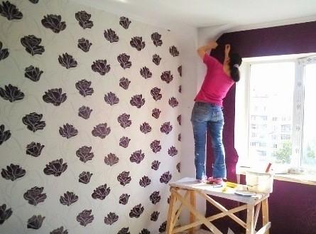 Отделочные и малярные работы в Киеве Поклейка обоев