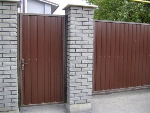 Откатные ворота всех размеров, односторонняя зашивка профлистом.