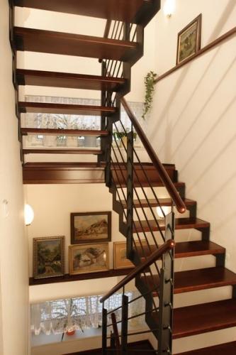 Открытая легкая маршевая лестница