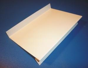Отливы и козырьки из рулонной или листовой оцинкованной стали базовый цвет белый и коричневый.