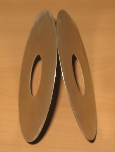 Отрезной круг из алмазсодержащего проката Круг АПр-100 диаметр 100 мм, посадочное 32 мм Толщина круга 0,43 мм.