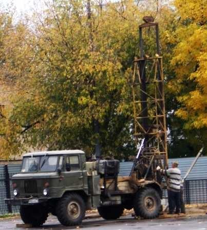 Отверстия под буронабивные сваи Киев и область, геодезические работы