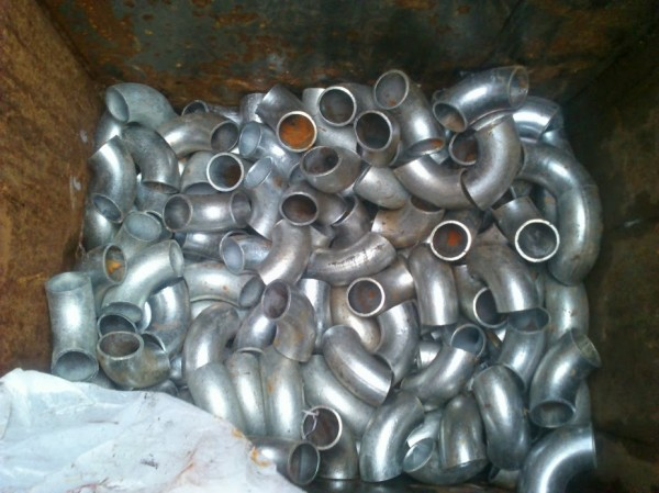 Отвод стальной, кованый, оцинкованный, Ф 108мм. , 90 , используется для трубопроводов. Стойкий к коррозии.