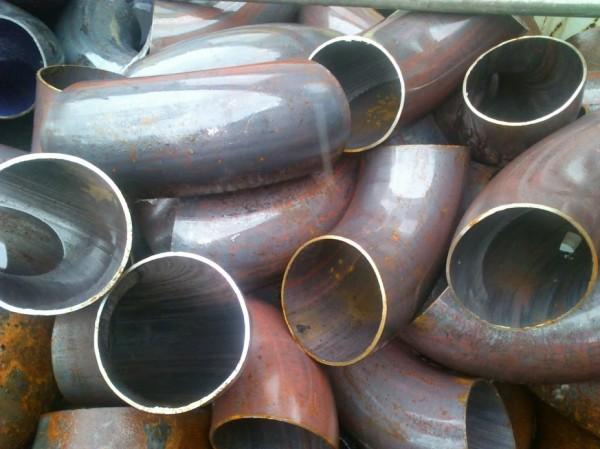 Отвод стальной, крутоизогнутый, Ф 76мм., 90 , используется для трубопроводов.