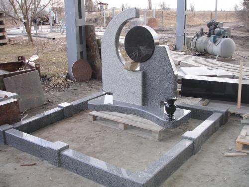 Изготовление памятников из гранита россия цены на памятники габбро гранита