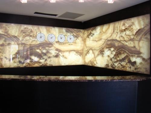 Панно из оникса. Изделия из натуральных камней: мрамор, оникс, травертин, гранит.