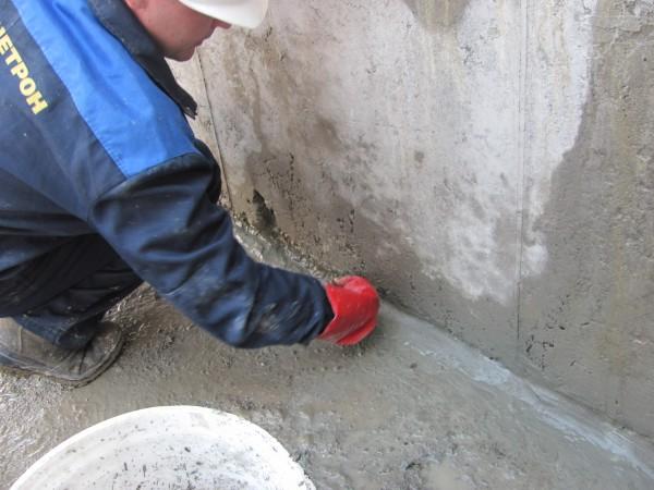 Пенекрит. герметизация и гидроизоляция швов, трещин и вводов.