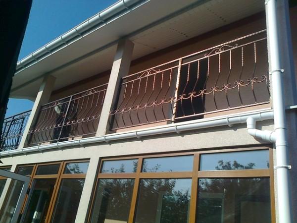 Перила лестничные и балконные