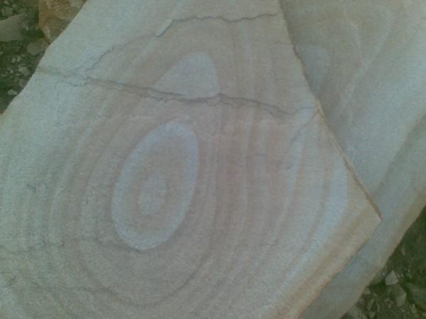 Песчаник природной формы (тощина от 10мм-80мм)