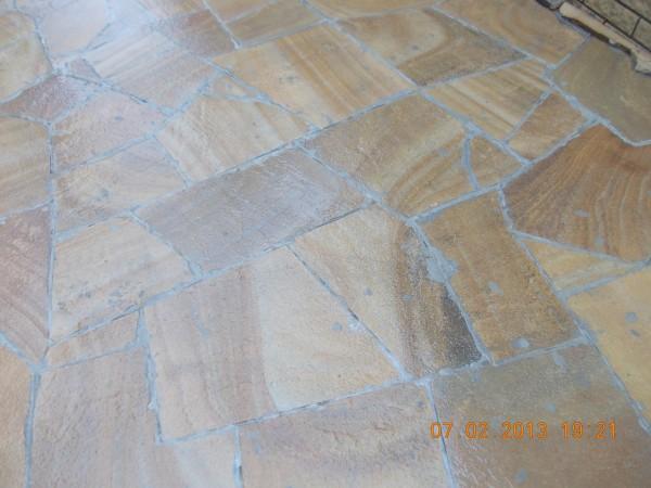 Песчаник желтый с узором, лапша, брусчатка, камины, подоконники для наружной и внутренней отделки.