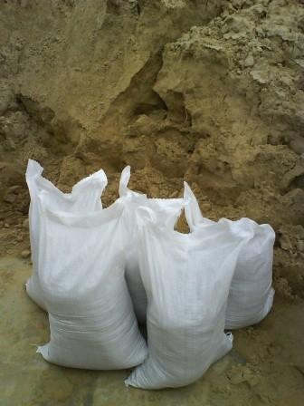 Песок овражный, карьерный, в мешках, 50кг, доставка по Киеву и Области.
