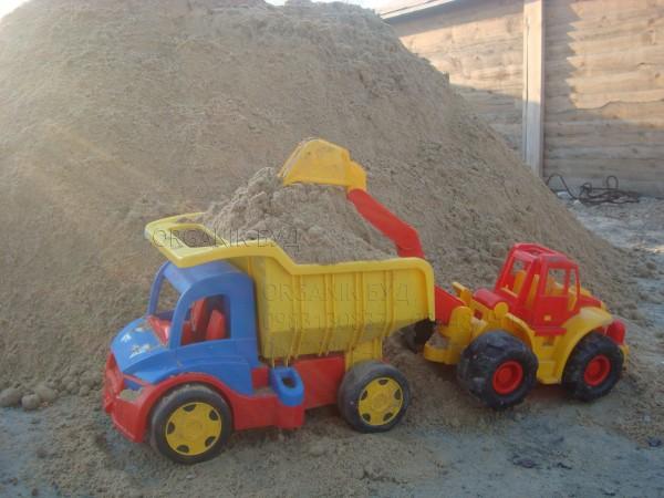 песок овражный насыпью с доставкой по Киеву