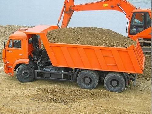Песок речной с доставкой по Киеву от 20т.
