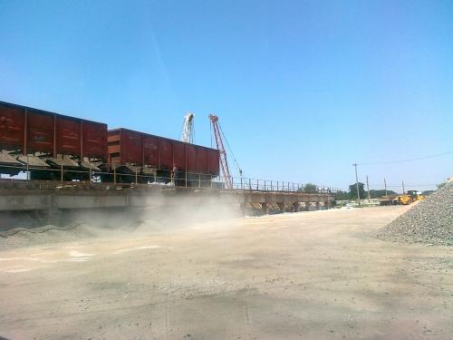 Песок строительный с доставкой по городу и области.