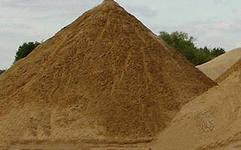 Пісок карєрний. екологічно чистий. Оплата за готівковий та безготівковий рахунок. Доставка по Киеву та пригородах