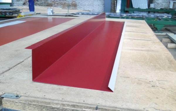 Планка примыкания - производство, продажа, монтаж. Используется в местах примыкания кровельных листов к стене.