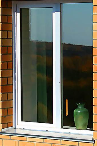 Пластиковое двустворчатое окно Rehau Euro 60 с 2-камерным стеклопакетом всего - 1140 грн.