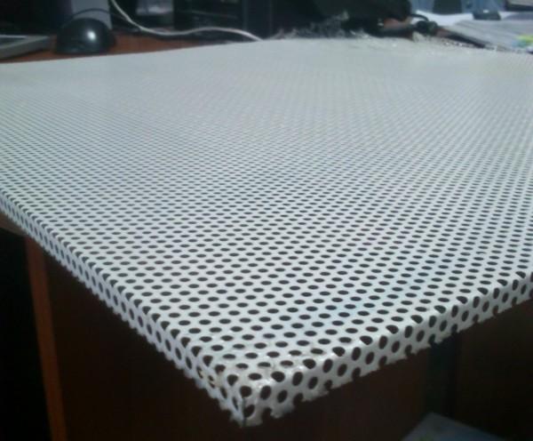 плиты стальные) с перфорированной поверхностью