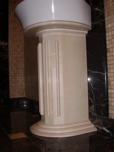 Подножка мраморная под умывальник