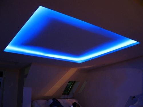 Подсветка многоуровневых потолков, ниш, карнизов, полок. Неон, светодиодные ленды.