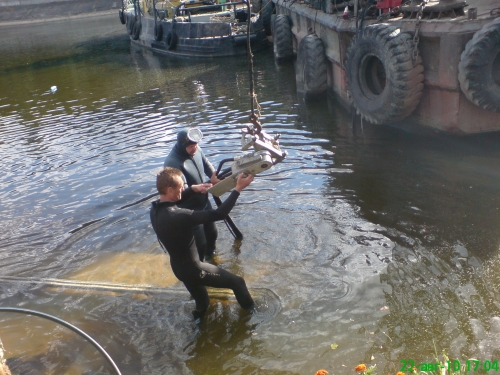 Подводная алмазная резка бетона и железобетона на глубине до 5-ти метров.