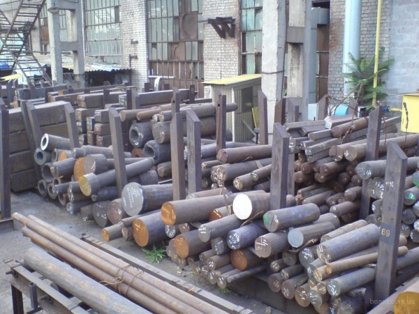 Поковка диаметр 430 мм длина 390 мм сталь 40ХН