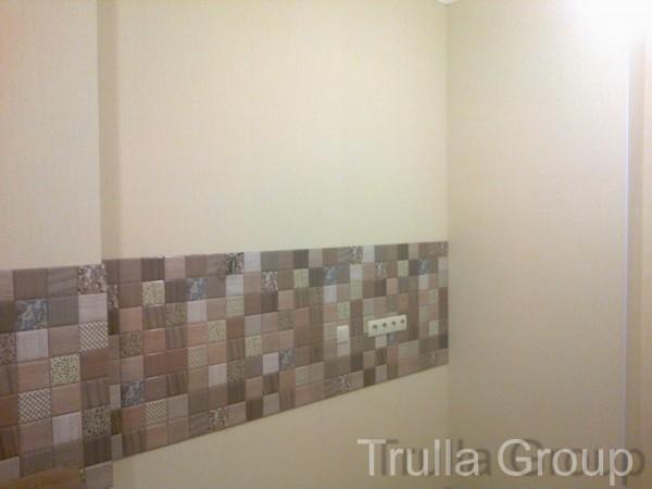 Покраска водоэмульсионной краской (стена)