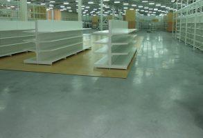 Полы бетонные наливные для павильйонов, торговых и выставочных помещений.Безупречно ровные, обеспыленные, блестящие.