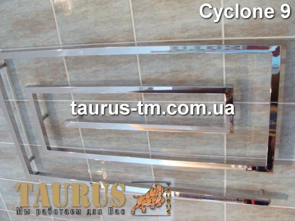 Полотенцесушитель Cyclone 9 /1000 изготовлен из нержавеющей стали. Доставка.