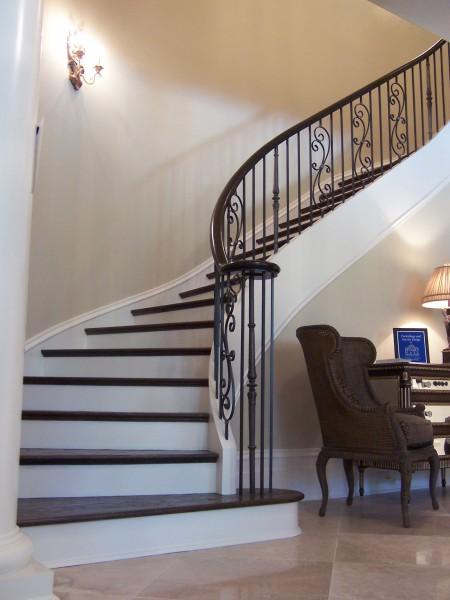 лестница полувинтовая фото