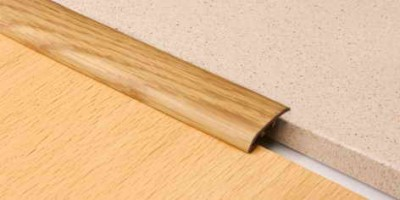 Порог ламинированый  для закрытия равноуровневых стыков 5 см открытый монтаж.