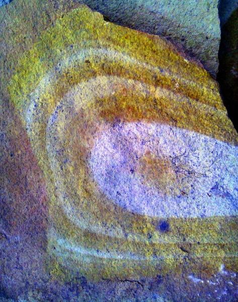 Природный камень, песчаник, тротуарная плитка, цвет желтый с рисунком 30-50мм.
