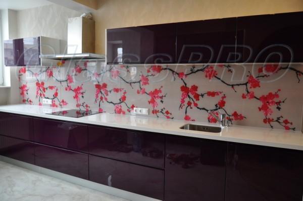 Пристенные кухонные панели (фартуки) из стекла и зеркала.