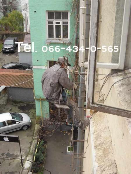 Пробивание отверстий в кирпичной стене диаметром 200 мм