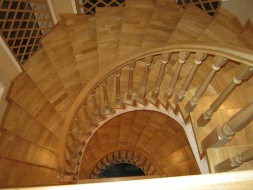 Проектирование и изготовление лестниц.