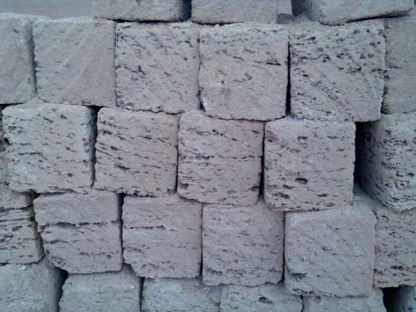 Производим и продаем камень ракушняк, ракушечник. Различные марки прочности: М-35, М-25, М20, размер 380*180*180 см.