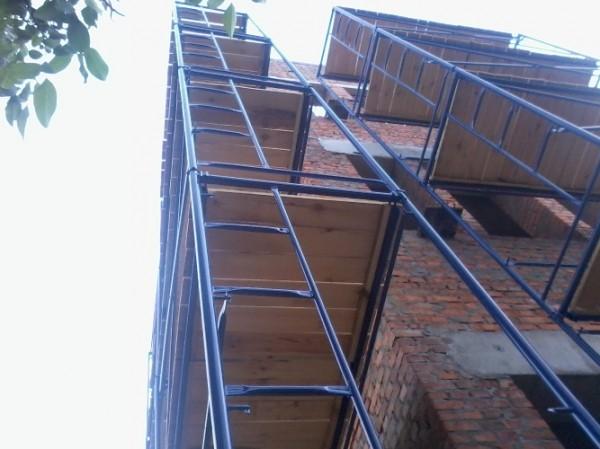 Леса строительные . Высота до 100 метров.Нагрузка 200-600 кг/м. кв. Продажа и аренда