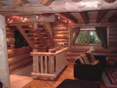 Производитель деревянных домов, сруб бани, дом из бревна, дома под ключ, тел.0976477257