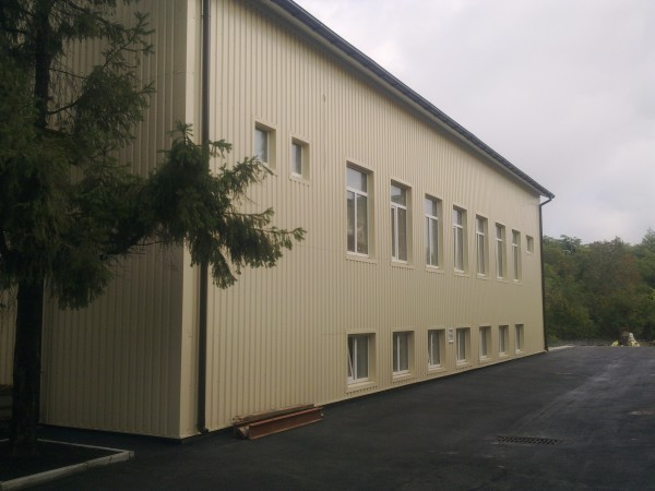 производственное здание в городе Вышгород, весь комплекс строительных, фасадных, инжинерных и отделочных работ.