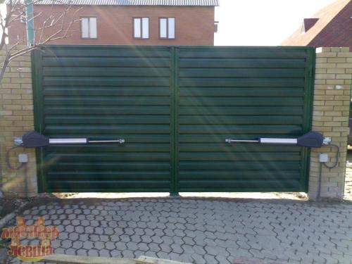 Производство и продажа всех типов ворот - секционные ворота, гаражные ворота, распашные ворота, откатные ворота.