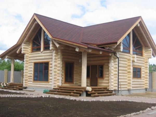 Производство и строительство домов из оцилиндрованного бревна