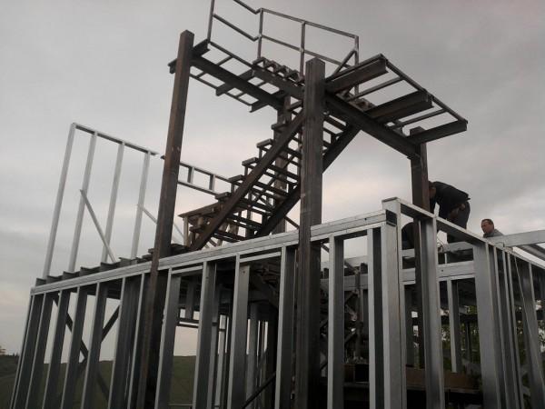 Производство и строительство коттеджей из ЛСТК .