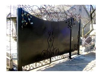 Производство кованых ворот, решеток, калиток, навесов, беседок, мангалов, киосков, металлоконструкций любой сложности.
