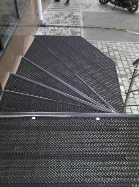 """Противоскользящее покрытие на лестницу """"Тетра"""" 10 мм Высокая выдержка температур"""