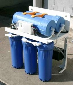 Проточный фильтр RO-400 (1 л/мин) с насосом