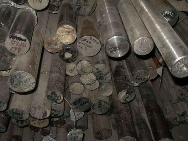 Пруток титановый сталь ВТ1-0 размер ф16*1000,3000